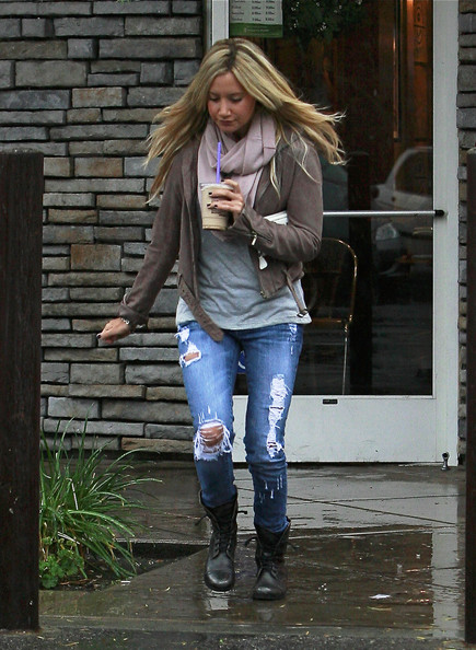 Ashley Tisdale S Ripped Jeans High Street Style Uk